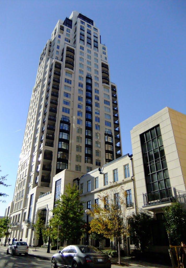 Yorkville Toronto Condo Building Profile: One St. Thomas