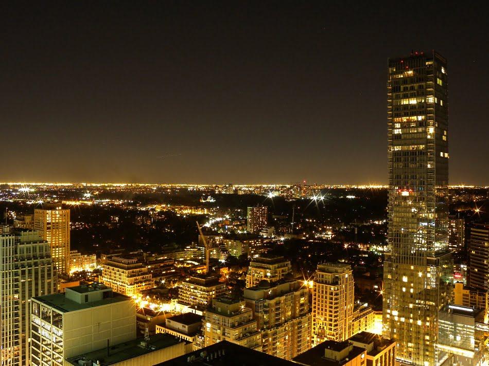 35 Balmuto Street Uptown Condos Yorkville Toronto Suite 4201 SOLD
