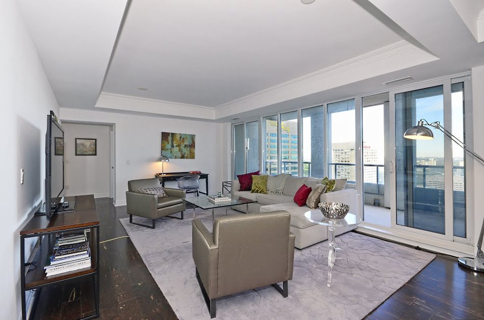 35 Balmuto St Suite 3802 Living Room Uptown Condos Yorkville Toronto Victoria Boscariol Chestnut Park Real Estate
