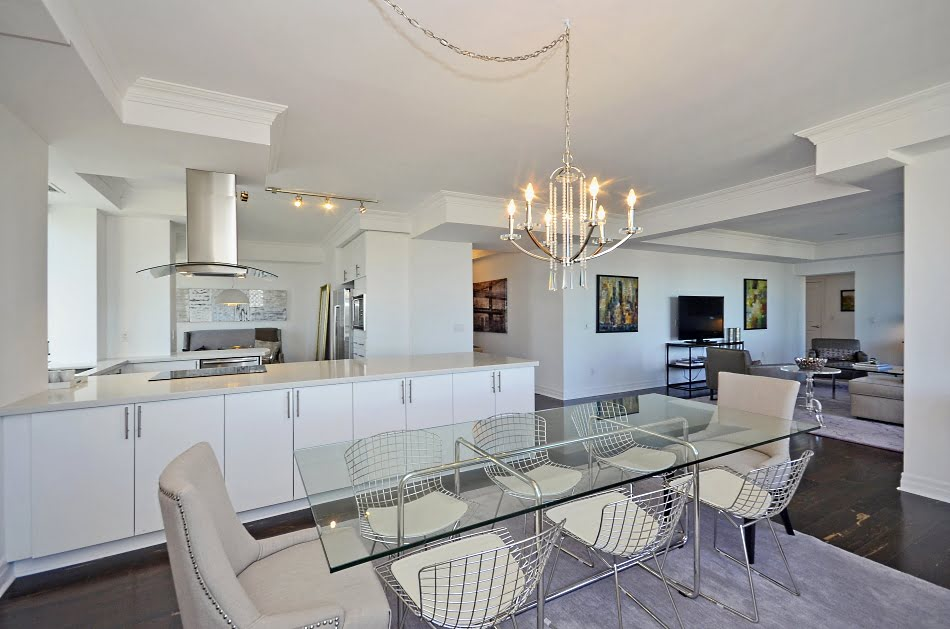 35 Balmuto St Yorkville Toronto Condos Uptown Residences Suite 3802 Dining Room Victoria Boscariol Chestnut Park Real Estate