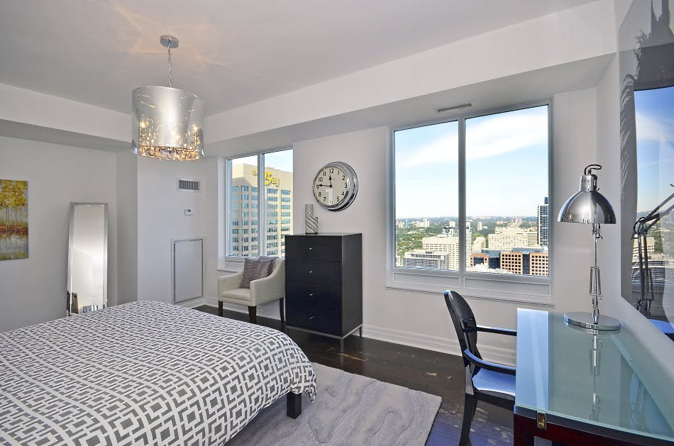 35 Balmuto Street Unit 3802 Uptown Condos Yorkville Toronto Master Bedroom Victoria Boscariol Chestnut Park Real Estate