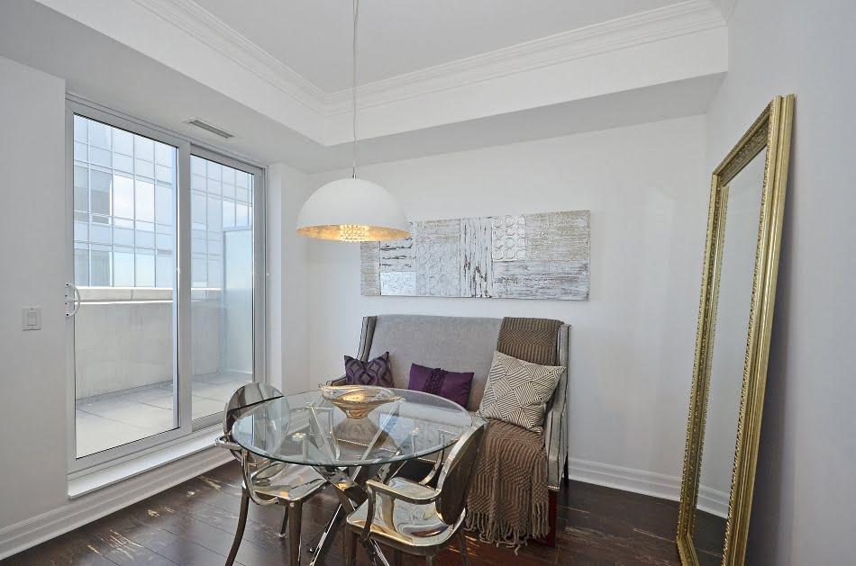 35 Balmuto Street Uptown Condos Yorkville Toronto Den Suite 3802 Victoria Boscariol Chestnut Park Real Estate
