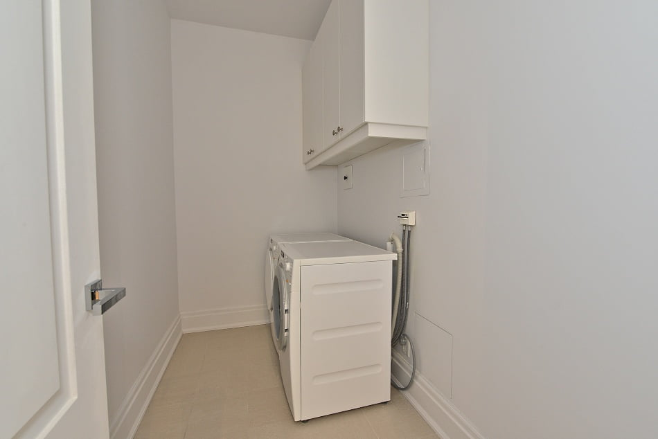 Four Seasons Condos 55 Scollard St Unit 205 Yorkville Toronto For Sale Laundry Room Victoria Boscariol Chestnut Park Real Estate