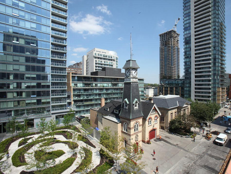 Record number of Yorkville Toronto luxury condos sold in 2013 4thQ boosting sold price per square foot to $825