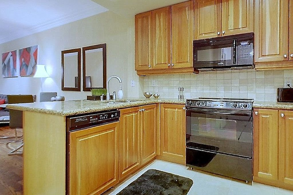 Kitchen Unit 304 Yorkville Toronto Condos 10 Bellair St Victoria Boscariol Chestnut Park Real Estate