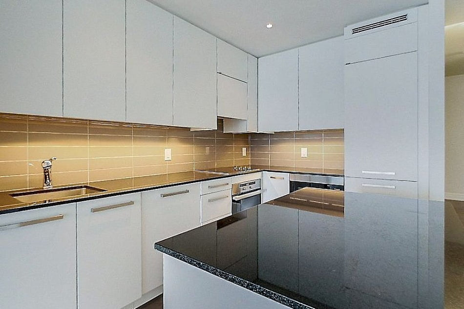 4. L Tower Condos For Sale Downtown Toronto Unit 3907 Kitchen Victoria Boscariol Chestnut Park Real Estate