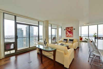 33 Mill St Unit 3002 Distillery District Living Room Toronto Victoria Boscariol Chestnut Park Real Estate r