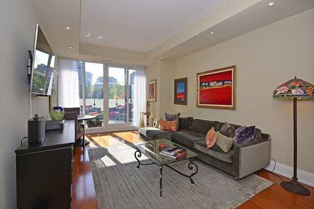 Yorkville Luxury 2 Bedroom Condo With Fabulous Terrace ...