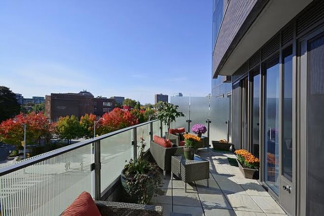 Yorkville Luxury 2 Bedroom Condo With Fabulous Terrace