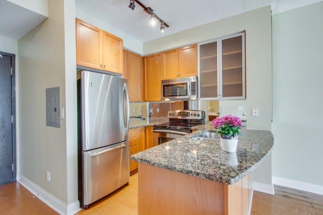 18 Yorkville Ave Toronto Condos Unit 606 Kitchen Victoria Boscariol Chestnut Park Real Estate r