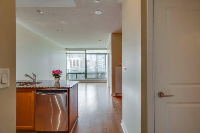 18 Yorkville Ave Unit 606 Kitchen Living Room Victoria Boscariol Chestnut Park Real Estate r