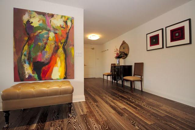 21 Dale Ave Suite 844 Entrance Foyer Victoria Boscariol Chestnut Park Real Estate r