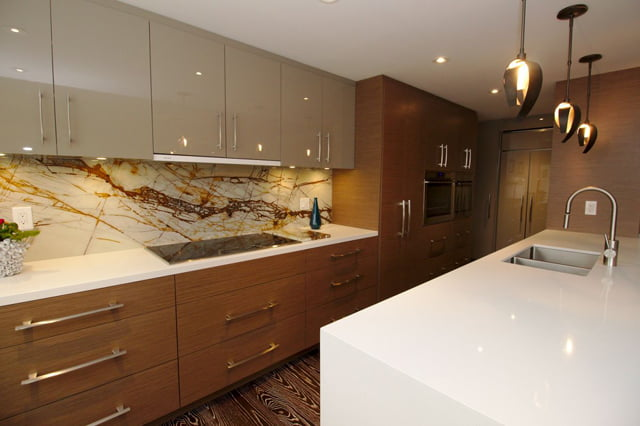 21 Dale Ave Suite 844 Kitchen Victoria Boscariol Chestnut Park Real Estate r