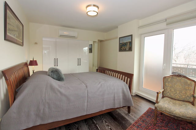 Toronto Rosedale Luxury Co-ops Apartments For 21 Dale Ave Suite 844 Master Bedroom Victoria Boscariol Chestnut Park Real Estate r