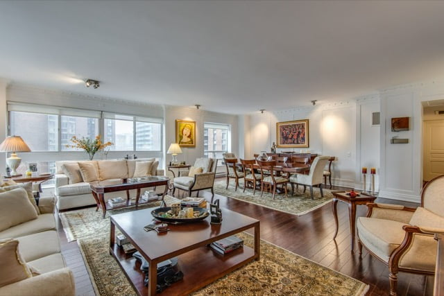 Yorkville Toronto Luxury Condos 1132 Bay St Suite 701 Living Dining Room Victoria Boscariol Chestnut Park Real Estate