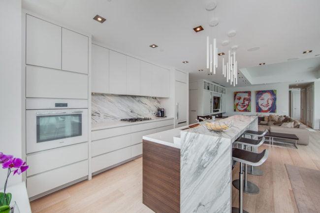 77 Charles St West Toronto Kitchen Suite 1402 Yorkville Toronto Condos Luxury Victoria Boscariol Chestnut Park Real Estate