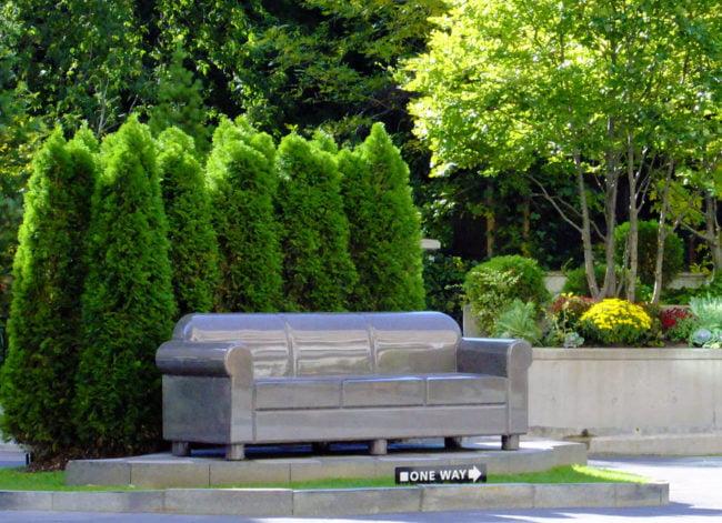 38 Avenue Rd Condos Yorkville Toronto Courtyard Circular Drive Victoria Boscariol Chestnut Park Real Estate