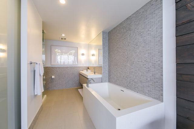 70 Distillery Lane Unit 3507 Master Bathroom Downtown Toronto Condos Victoria Boscariol Chestnut Park Real Estate