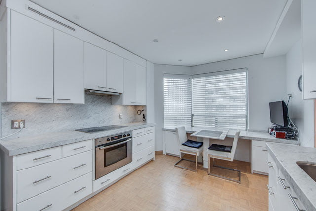 1132 Bay St Unit 1102 Yorkville Toronto Condos Eat-in Kitchen Victoria Boscariol Chestnut Park Real Estate