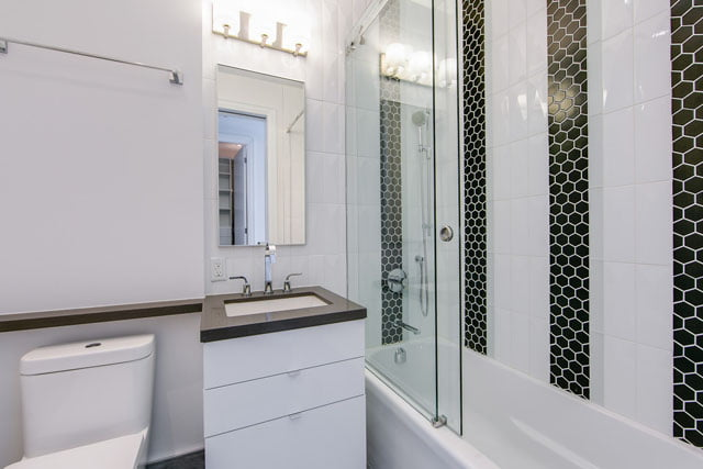 155 Yorkville Ave Toronto Condos Lower Penthouse 3113 Master Bathroom Victoria Boscariol Chestnut Park Real Estate