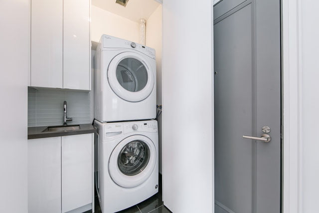 155 Yorkville Ave Unit 3113 Laundry Room Lower Penthouse Toronto Condos Victoria Boscariol Chestnut Park Real Estate