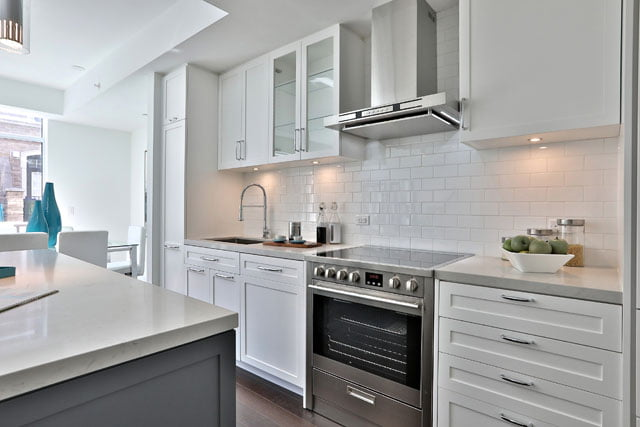 25 Malcolm Rd Townhouse 111 Toronto Kitchen Upper House Condos Leaside Victoria Boscariol Chestnut Park Real Estate