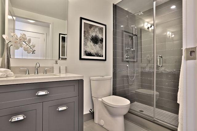 25 Malcolm Rd Toronto Unit 205 Second Bathroom Upper House Condos Leaside Victoria Boscariol Chestnut Park Real Estate