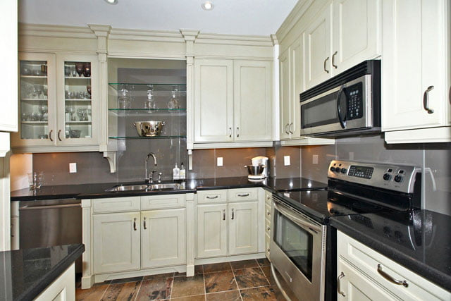 Kilgour Estate Condos For Sale Unit 329 Kitchen 20 Burkebrook Pl Toronto Victoria Boscariol Chestnut Park Real Estate