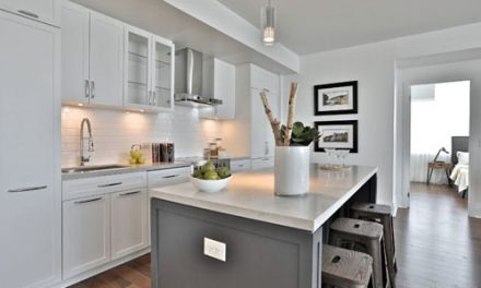 FOR SALE Leaside Luxury Mid-rise Condo 2 Bedrooms Den Balcony 25 Malcolm Rd Toronto $999,000